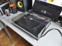 Project Essential II Turntable w/ Pro-ject Phono Box MM Premap