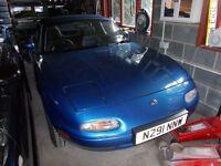 Mazda MX5 mx 5 mx-5 MK1 1800 British 'back to basics' manual. NO P/steering. NO E/windows. Great car