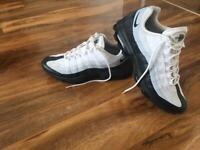 Nike air max (rare) size 8.5