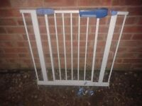 LINDAM STAIRGATE STAIR GATE SAFTY SAFE LOCK GUARD RAIL, 75-51CM