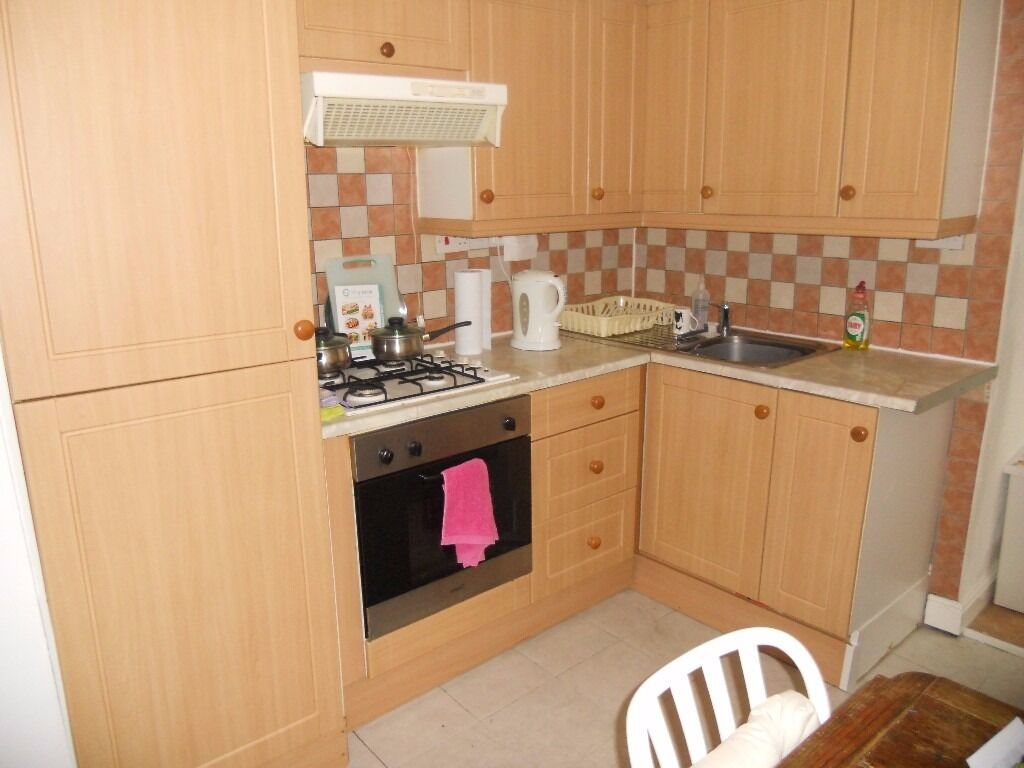 1 Bedroom Flat|Council Tax & Water Included with RENT|Fully Furnished|Elephant & Castle|Garden