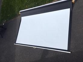 Panoview projector screen. Good condition