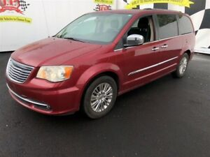 2011 Chrysler Town & Country Limited, 3rd Row Seating, Sunroof