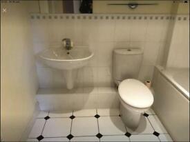 Main bathroom for sale