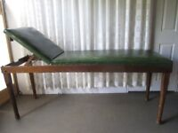 VINTAGE MEDICAL SUPPLY ASSOCIATION LONDON GREEN COVERED DOCTORS EXAMINATION BED TABLE FREE DELIVERY