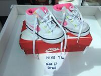 Nike trainers 7.5