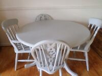 QUALITY 4FT PINE PEDESTAL ROUND TABLE AND FOUR CHAIRS