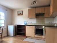 ***MOVE IN ASAP*** LOVELY ONE BED APARTMENT TO RENT ON BURDETT ROAD E14 - £1,100.00 PCM