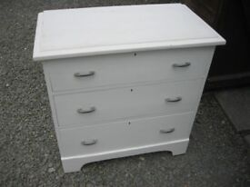 VINTAGE ORNATE SOLID PINE CHEST OF 3 DRAWERS. STURDY. VIEWING / DELIVERY AVAILABLE