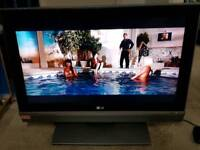 LG 32 inch HD TV + Can deliver
