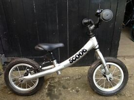 Ridgeback Scoot runner bike silver