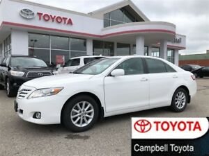 2010 Toyota Camry XLE--HEATED LEATHER--MOON ROOF--LOW KM'S