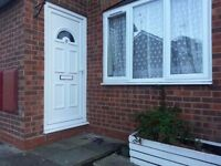 AVAILABLE TODAY -- 1 BEDROOM GROUND FLOOR FLAT/HOUSE TO RENT - WITH GARDEN AND PARKING..