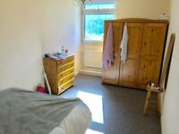 Large Double Room, all bills, Wi-Fi and weakly cleaner Inc. E2