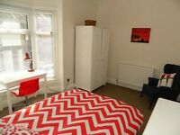 Room to rent in student house// £79pwpp