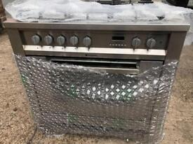 Stunning silver brand new hotpoint ultimate gas cooker 12 MONTHS WARRANTY