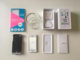 White/silver iPhone 5s 16GB - unlocked and boxed
