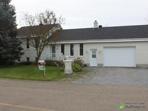239 500$ - Maison à paliers multiples à vendre à Champlain