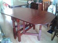 1 dining table, mahogany, perfect condition, no marks and no scratches, 150cm long
