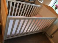 Mamas and Papas Savannah Cot/ Toddler bed