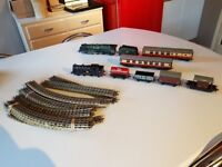 VINTAGE 1960S JOB LOT HORNBY MECCANO DUBLO 3 TRACK LOCOMOTIVES WAGONS CARRIAGES TRACK COLLECTABLE GC