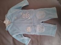 Baby's 3 piece set for new born to 3 months - brand new