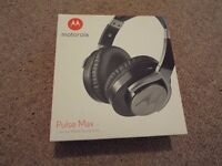 Motorola Pulse Max over ear headphones