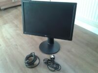 LG Flatron 22 inch widescreen monitor with DVI and power cables