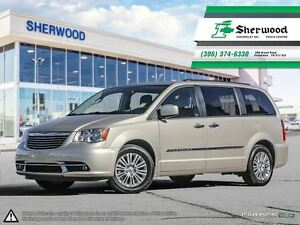 2015 Chrysler Town & Country Touring-Leather/Roof/NAV & Dual DVD