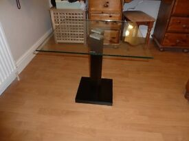 Modern Glass table with tempered glass 595x595x55mm.