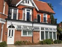 Beautifully refurbished 2 bedroom ground floor apartment close to beach.
