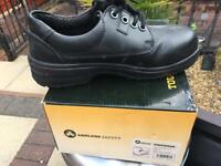 Work wear steel capped shoes