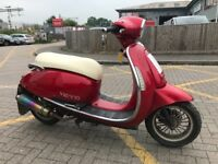 Vespa type scooter 125cc moped 2014