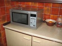 Belling 02 Microwave Oven - 900w