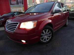 2008 Chrysler Town & Country SWIVEL N GO/7 PASSAGERS/PETIT PRIX