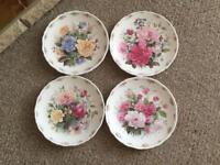 Set of collectors plates