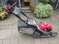 Honda HRX 426 Self Propelled 4 Stroke Petrol Lawnmower with grassbox