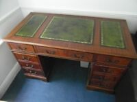 RETRO/VINTAGE REPRO LEATHER TOP DESK IN VERY GOOD USED CONDITION FREE LOCAL DELIVERY 07486933766