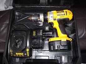 Cordless 14,4 volt DEWALT drill