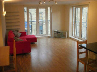 Offering this Spacious and Bright 2 Double Bedroom Apartment with
