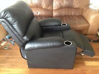 Lazy Boy Style Recliner Armchair with Cupholders, Great Condition, Pickup Only