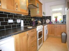 LOVELY 1 BEDROOM FLAT NICELY DECORATED!!