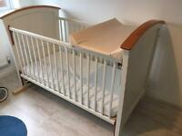 Cosatta Cot Bed 3 in 1. 140cm x 70cm. Includes changing mat/board
