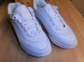 NEW Ladies THERASHOE. White Leather TRAINERS, 6 UK