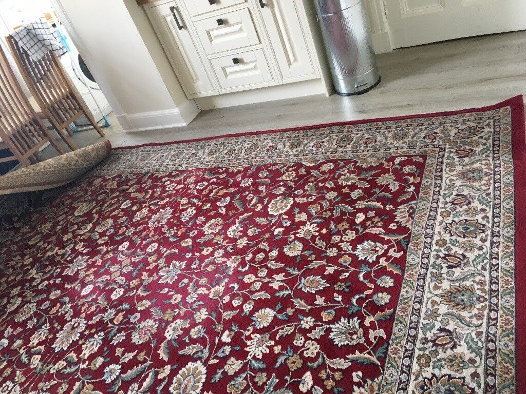 "Very Large Red Traditional / Persian Style Rug (Used - collection only). 241 x 343 cm / 95"" x 135"""