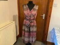 STUNNING lined dress size 14/16 by TAIFUN. Invisible side zip. IN IMMACULATE CLEAN CONDITION😊