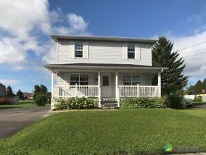 187 000$ - Maison 2 étages à vendre à Ste-Croix