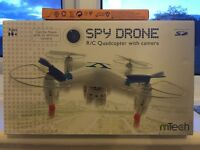 R/C Quadcopter with camera (spy drone with 12 batteries included)