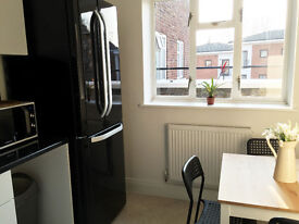 Fantastic Double Room by ACTON TOWN Underground! All Bills Included!