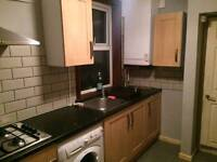 Large double room clean luton town centre WiFi available now bargain